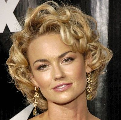 Google Image Result for http://www.celbrityhairstyle.com/wp-content/uploads/2011/12/Kelly-Carlson-Hair-2011-4.jpg