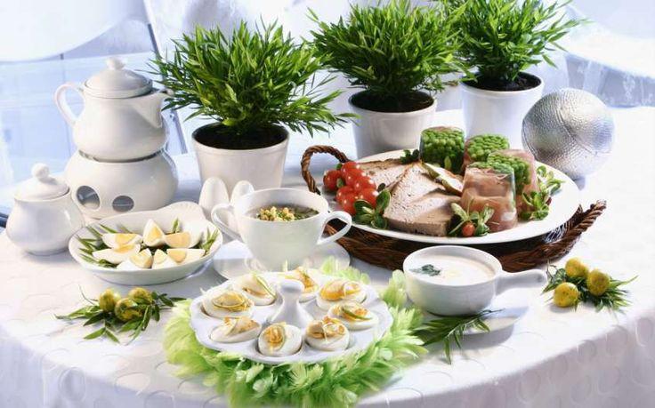 Come organizzare una perfetta cena a buffet, dal menù all'organizzazione della sala.