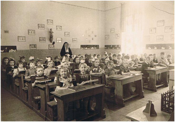 Afbeeldingsresultaat voor school lokaal jaren 50