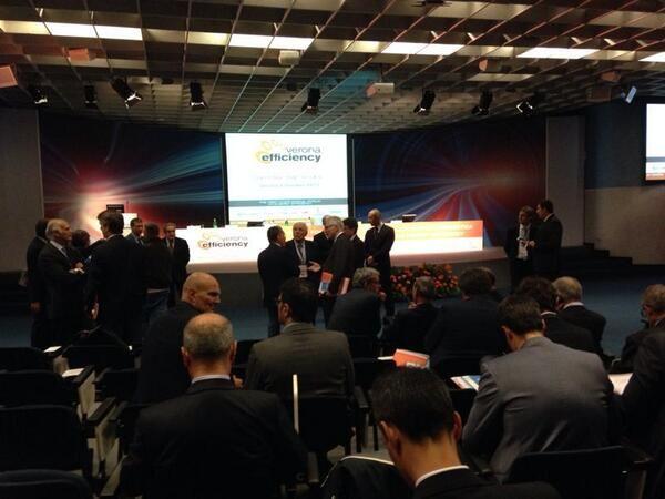 I relatori di #VES13 sono in sala, pronti per l'inizio del Summit. Tra poco si inizia #StayTuned con #Smartenergy