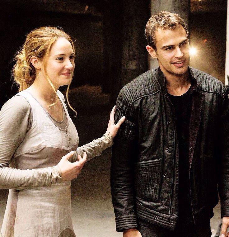 Theo James - Divergent