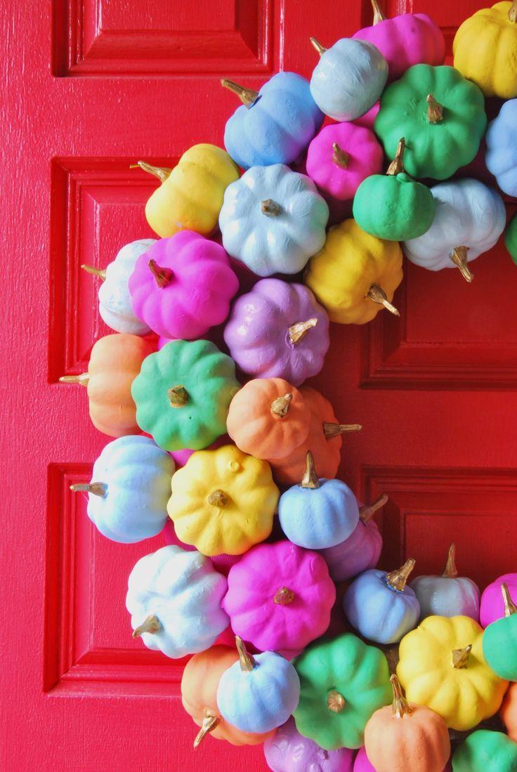 DIY Rainbow Pumpkin Wreath Halloween Pumpkins, Halloween Crafts, Diy Wreath, Wreaths, Fall Crafts, Diy Crafts, Straw Wreath, Plastic Pumpkins, Rainbow Painting