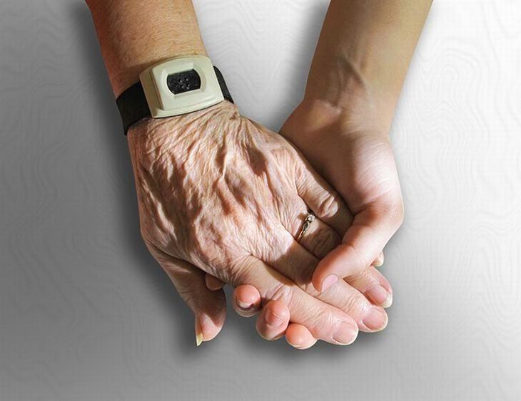 como cuidar de pacientes com demência
