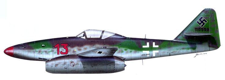 Messerschmitt Me-262A-1a1 «Rojo 13» (WNr 110559) del Oberst Heinz Bär (200 victorias, 16 de ellas con el Me-262), Gruppenkommandeur del III./EJG. 2, Lager-Lechfeld, marzo de 1945. http://www.elgrancapitan.org/foro/viewtopic.php?f=52&t=17924&p=914489#p914471