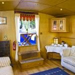 Last minute holiday breaks UK - book a boating holiday on the Thames | My River Cruising.com