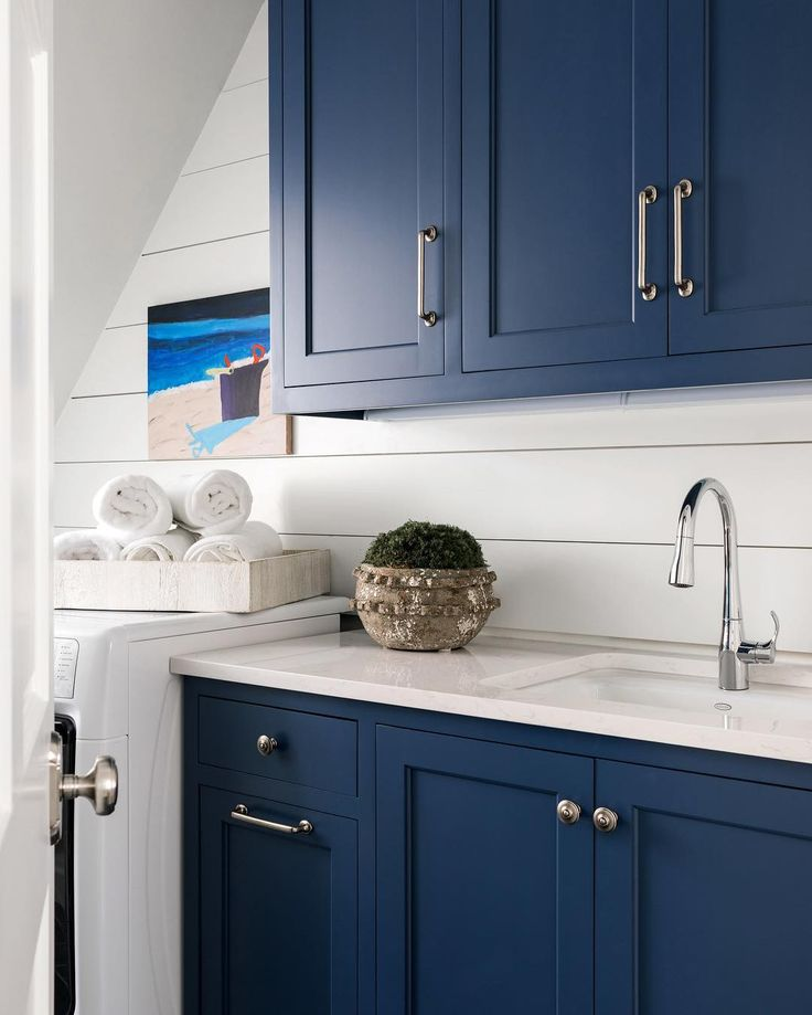 Favorite Kitchen Cabinet Paint Colors: 17 Best Images About Cabinet Paint Colors On Pinterest