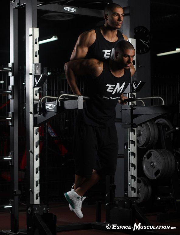 Dips aux barres parallèles pour se muscler le bas des pectoraux. #musculation #chest #exercice #bodybuilding #workout #fitness #exercise