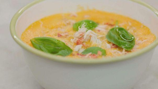 Eén - Dagelijkse kost - de beste tomatensoep, afgewerkt met krab