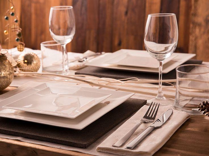 Świąteczna aranżacja stołu z Kompletem obiadowym Porto 18-elementowy AMBITION http://sklep.dajar.pl/komplet-obiadowy-porto-18-elementowy-ambition