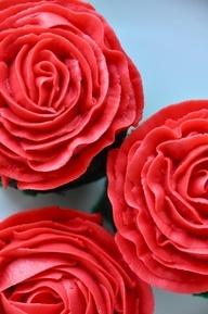 vegan valentine cupcake