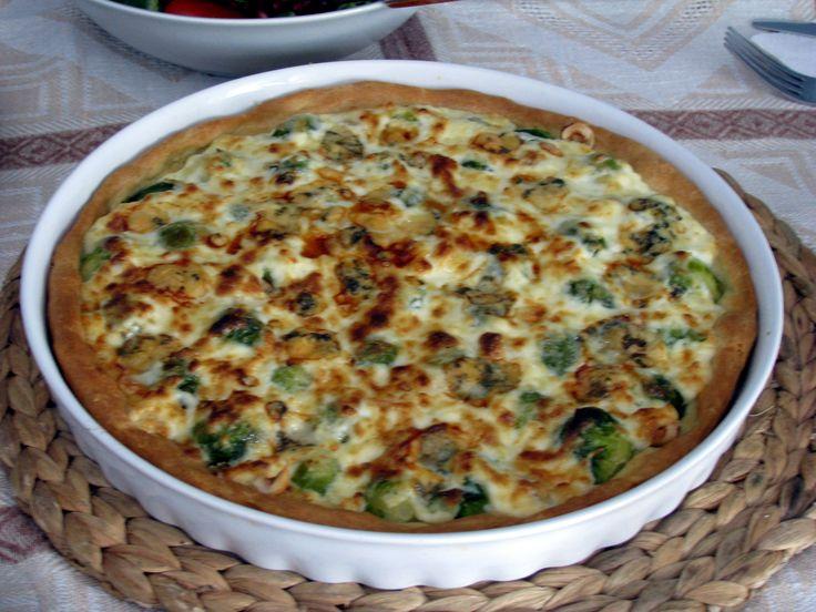 Τάρτα με λαχανάκια Βρυξελλών φουντούκια και τυριά