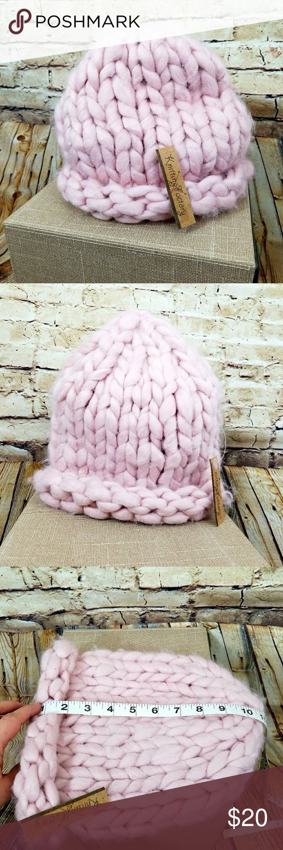 Ladies winter hat soft BNWT pink wide knit Ladies winter hat soft BNWT pink wide knit Pale soft pink Roll brim Adult size knitting factory Accessories