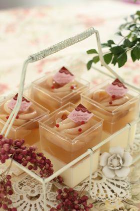 「桃とマスカルポーネチーズのベリーヌ」プチ・シュー | お菓子・パンのレシピや作り方【corecle*コレクル】