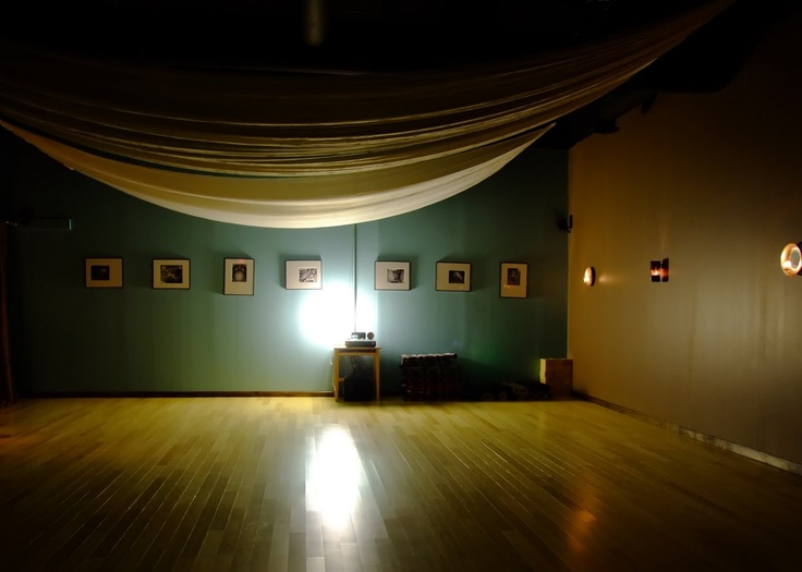 1000 ideas about yoga studio interior on pinterest home for Interior design warm lighting