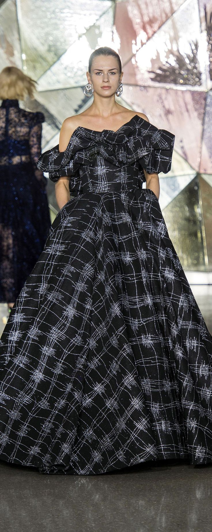 Christian Siriano Fallwinter 20192020 ReadytoWear