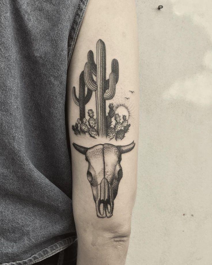 best 25  bull skull tattoos ideas on pinterest