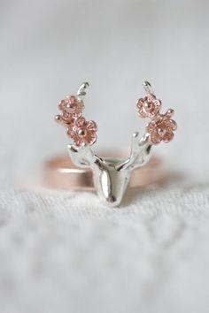 Sterling silver Deer Flower Statement Ring, Summer Jewelry Idea Gift for Woman / Bague plaqué argent tête de cerf et fleurs