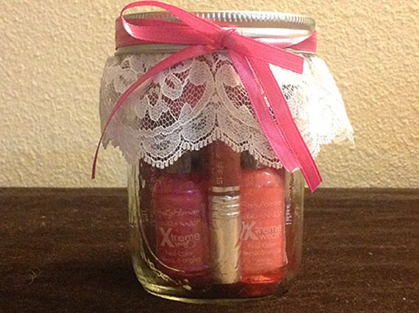 Mason Jar Crafts - DIY Gift Idea for Girls using a Mason Jar | Pampering in a Jar | #crafts #masonjars via Put it in a Jar (putitinajar.com)