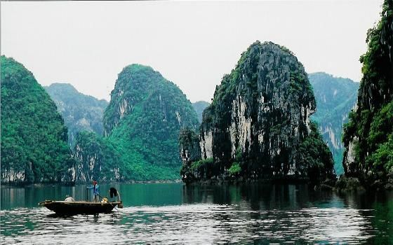 Halong bay in Vietnam is a glorious bay containing 2000 islands with sea arches, caves and floating village.