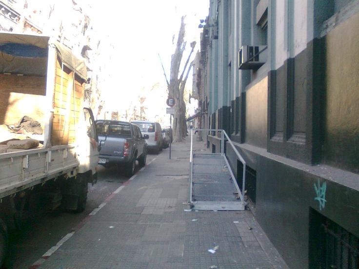 Facultad de Humanidades y Ciencias | Montevideo.uy  Alternativa de acceso en construcción.  Fecha: 2012-07-19