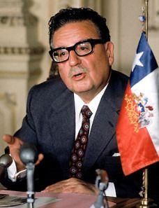 """""""Noi vivremo in eterno in quella parte di noi che abbiamo donato agli altri."""" (Salvador Allende)"""