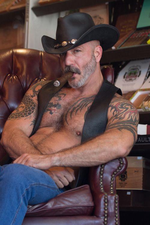Gay Cigar Men 106
