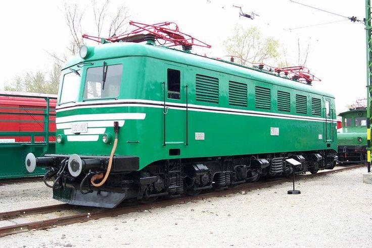 Ganz VM10 type universal locomotive V55 series in Hungary