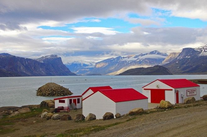 The old Hudson's Bay whaling station - Pangnirtung, Baffin Island