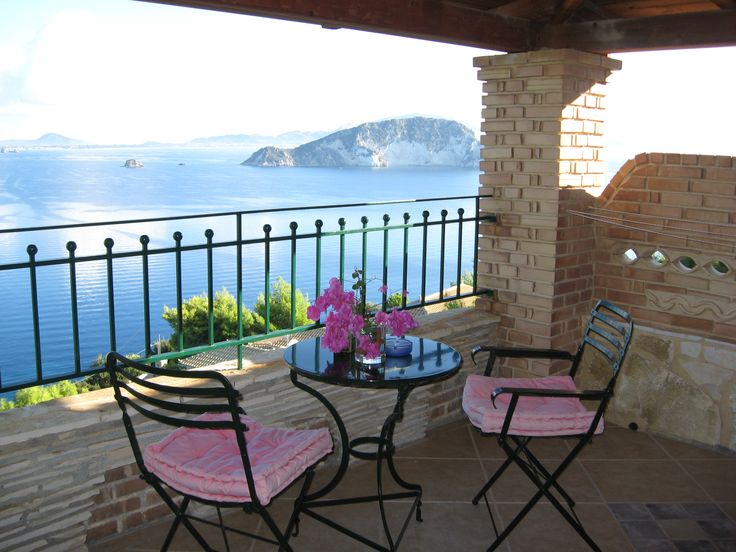 Enjoy your honeymoon in our romantic Honeymoon Gallery Suites with private sea view balcony and gorgeous view to Marathonissi Island - Villas Cavo Marathia - Zante Island