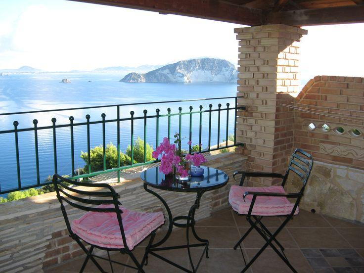 Enjoy your honeymoon in our romantic Honeymoon Gallery Suites with private sea view balcony and gorgeous view to Marathonissi Island - Villas Cavo Marathia - Zante Island