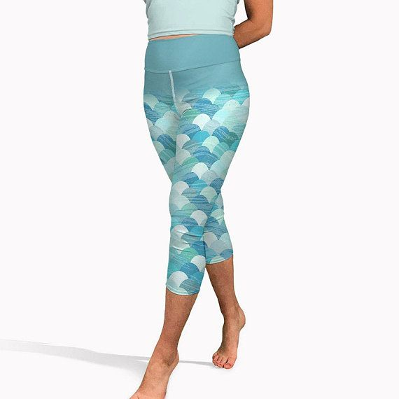 38ab7f90b4a29 Mermaid Capri Leggings, Summer Yoga Leggings, Mermaid Yoga Pants Blue Green Capri  Leggings Short Wo