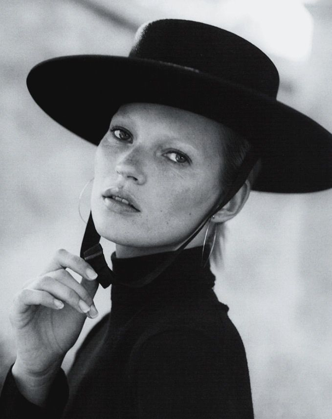 rovrsi:  kate moss in 'love & adios' by bruce weber for vogue italia oct '00