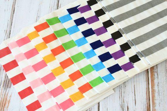 100st papieren tassen met horizontale streep design perfect voor partijen, gunsten, bruiloft cadeau verpakken klaar om te gebruiken en te personaliseren leverbaar in verschillende kleuren  + materiaal: papier + grootte: 5x7.5  + gewicht: 250g + hoeveelheid: 1 set/100st + kleur: als fotos  ♥ zakka? landelijke stijl? pleasee Zie onze andere objecten te koop
