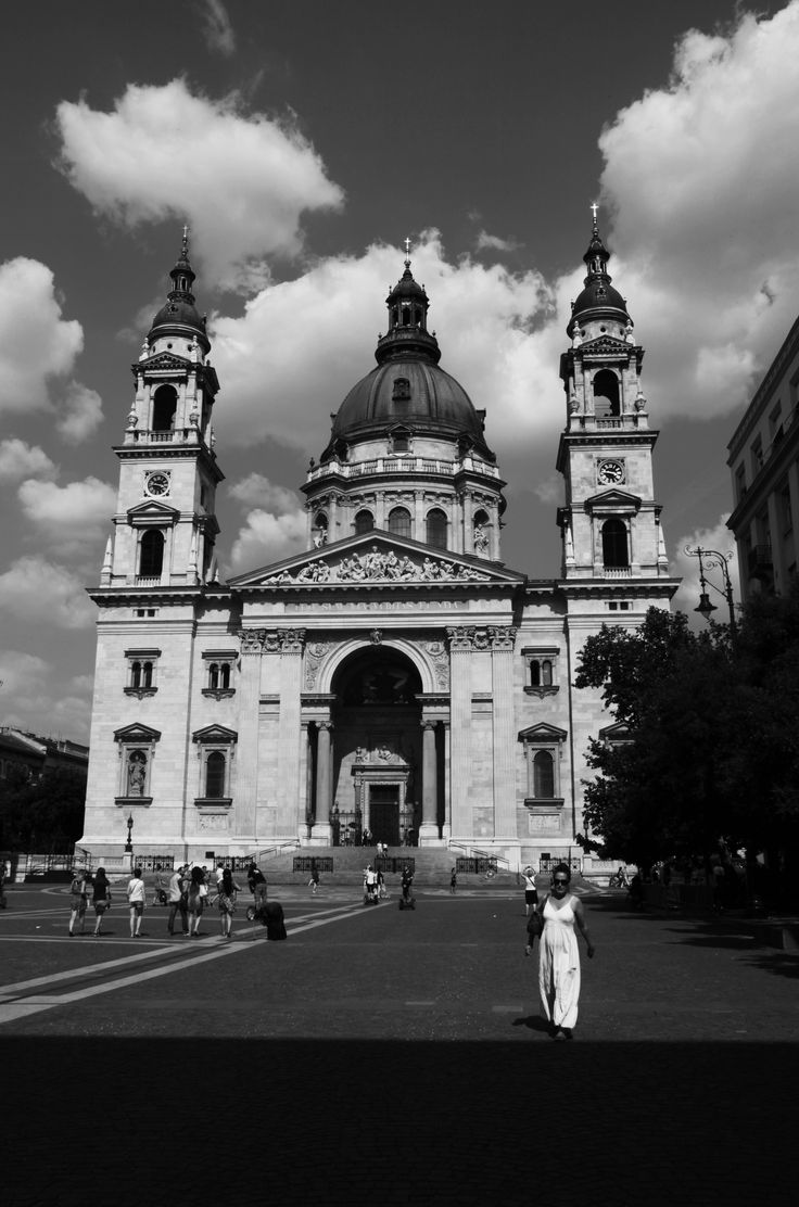 Photo by me. Photo: Diána Rigó #Budapest, V. ker. - in the #summer of 2015 #Hungary  #photography #high_contrast - A budapesti #Szent_Istvan_Bazilika - #St_Stephen_s_Basilica of Budapest #church - #street_photography - #woman in #white - #black_and_white