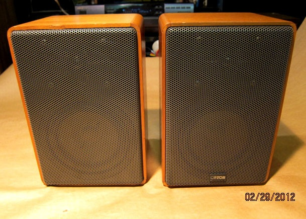 Canton speakers...from RDA...west germany,what a treasure,in walnut