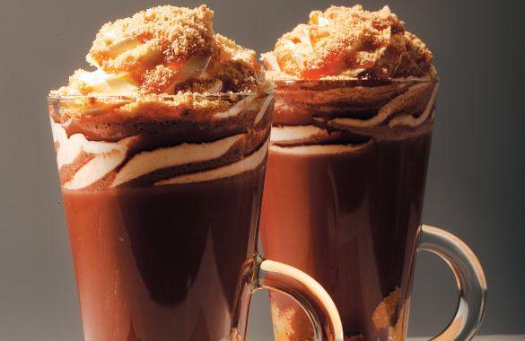 Ζεστό ρόφημα σοκολάτας με μπισκότο