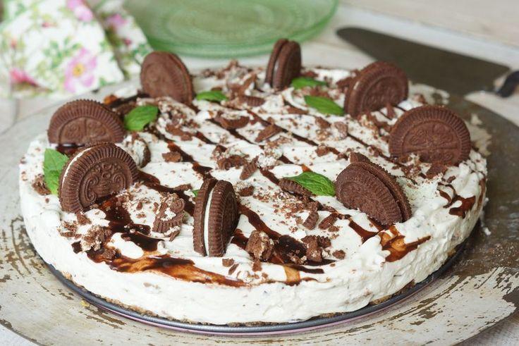 Nopea minttu-suklaajuustokakku ilman liivatetta ja uunia