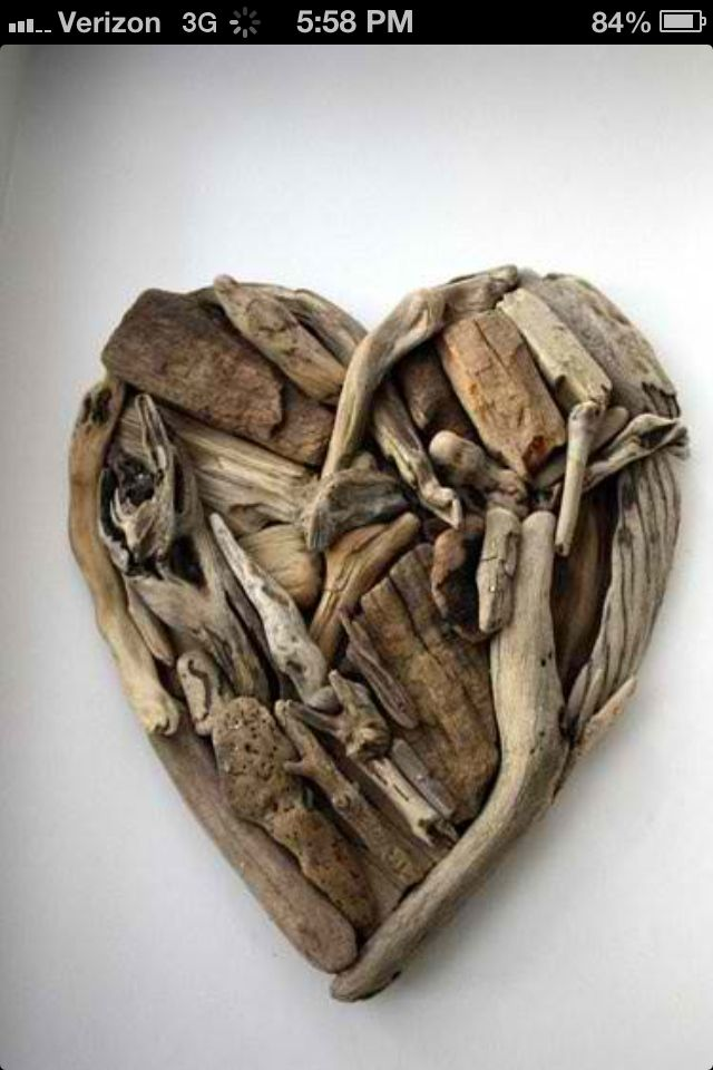 I always pick up drift wood at the beach, this is a great idea!