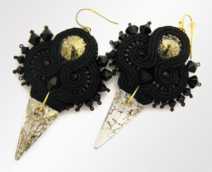 Black/Gold soutache earrings.