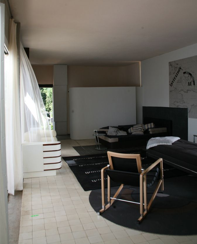 1000 images about eileen gray sur pinterest terrasse maison et recherche. Black Bedroom Furniture Sets. Home Design Ideas