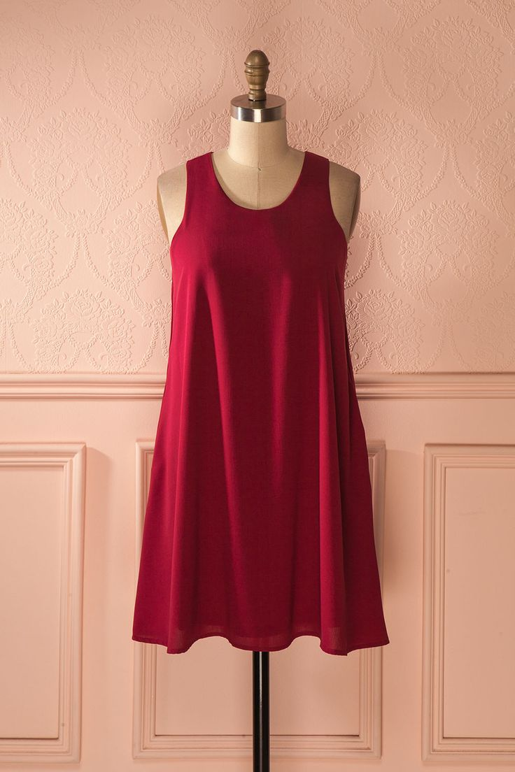 Elle tournait sur elle-même sur la piste de danse! She turned on herself on the dance floor! Edilia Berry - Raspberry red short dress www.1861.ca