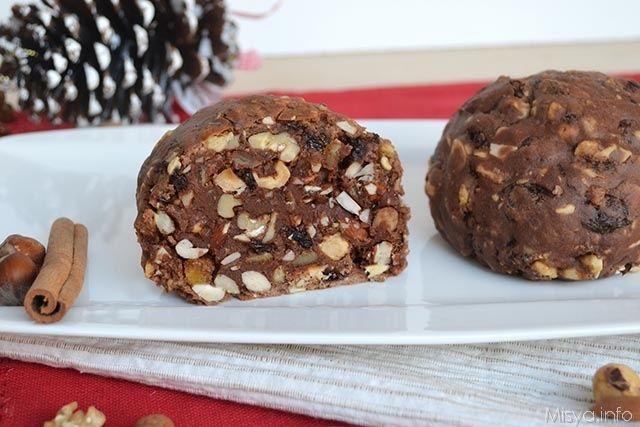 Il panpepato o pampepato è un tipico dolce natalizio di alcune zone di Umbria ed Emilia Romagna. Si tratta di un composto a base di frutta secca