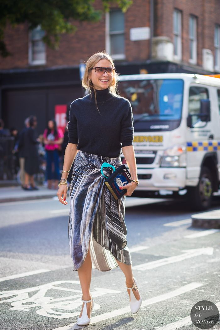 Pernille Teisbaek Look de Pernille Street Style Street Fashion Streetsnaps by STYLEDUMONDE Street Style Fashion Photography