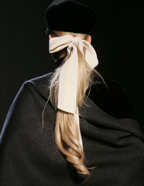ribbon tied ponytail #hair #bow #runway