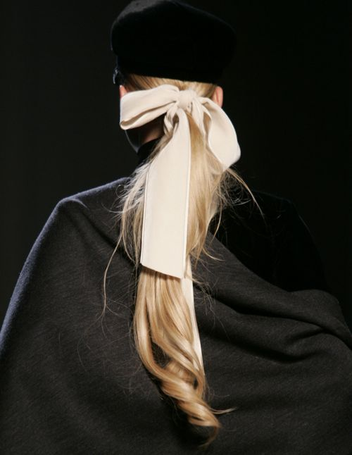 Ponytail bow: