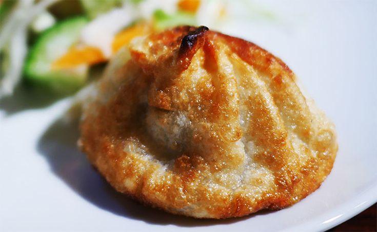 東京で「チベットの味」を体験する / チベット料理専門店『タシデレ』のフライドビーフモモ | ガジェット通信