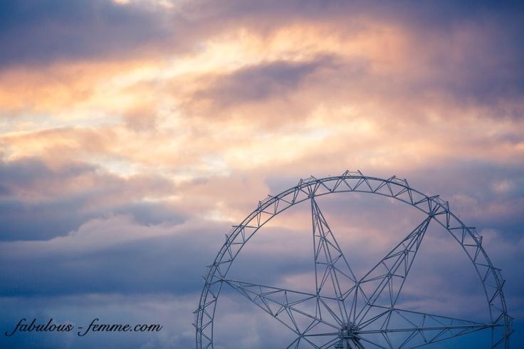never ending construction of the Melbourne ferris wheel