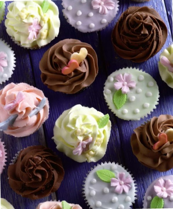 Festive cupcakes.