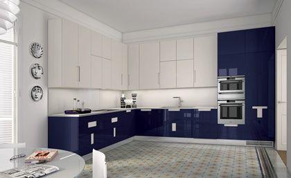 Cocinas dise o de cocina en blanco con azul para los for Deco de cocina azul blanco