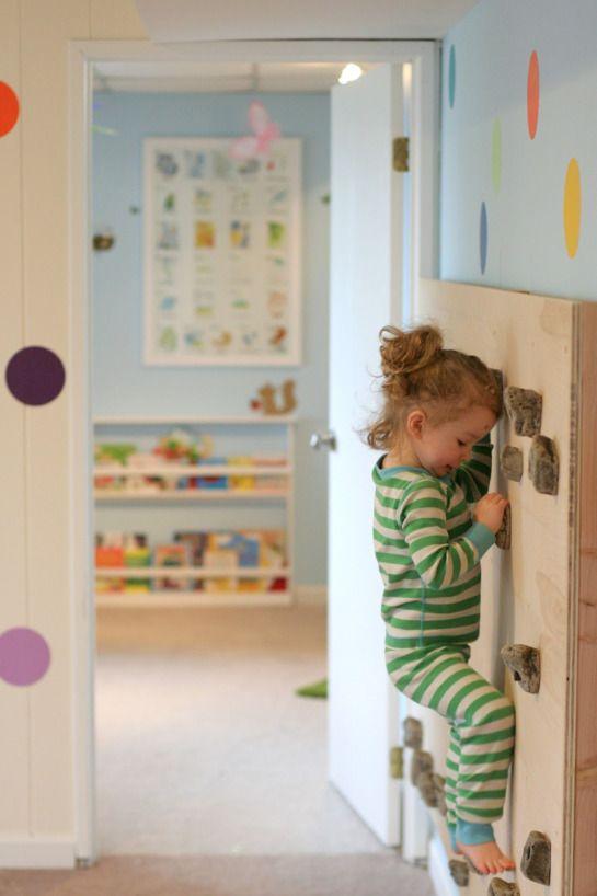 indoor climbing wall / muro de escalada para niños